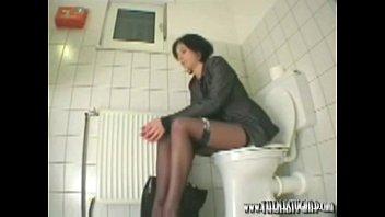 cam toilet office Der hauptmann von msenfick