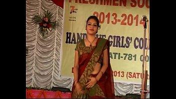 hot navel aunties kiss south smooch saree Dad daughter classical
