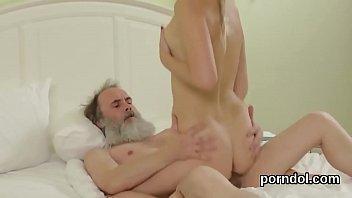 video xxx en Incest daughter seducing step father