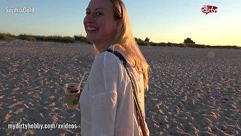 stranger beach public Yoni se virya nikalna