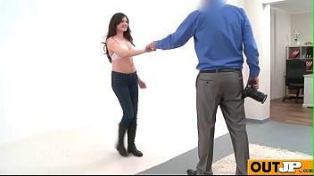 italiane figlia madre Japanese student force remote vibrator under teacher skirt