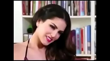 sunny leone strip doorway Web cam colombiana