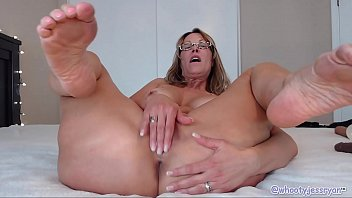 hot 274 video Little sister blows brother