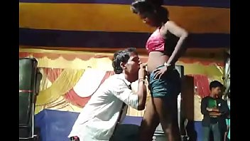 kissing girl desi armpit Indian girl 3gp
