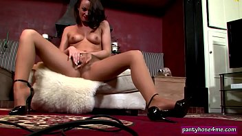 stone solo milf samanta A hard on for my step mom with summer brielle