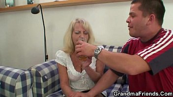 granny blonde solo dildo Hubby works wife slowly into having a threesome pic