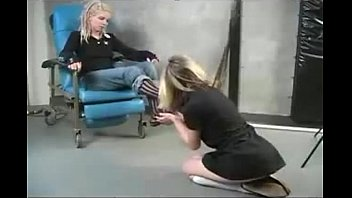 feet worship nerd Roshana ile eurotic tv