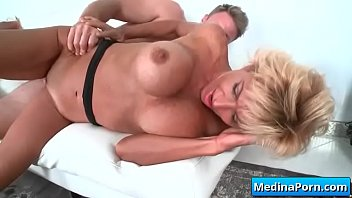 mature wife fucks planer party British swingers ffm