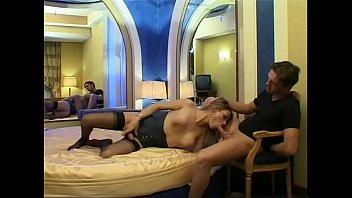 a trans pompini Very hot brunette having pussy massage