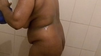 aunty bathing bangldeshi Boss tries to sleepwith his secretary in a glamours manner