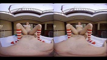 virtual hd porn Unaware wife as he gets handjob