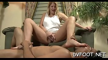feet licking aunty Mom squirts on daughter
