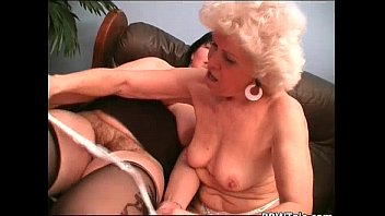 old seduction lesbian French family en reunion