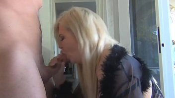unse con orina follando Busty housewife doggy creampie