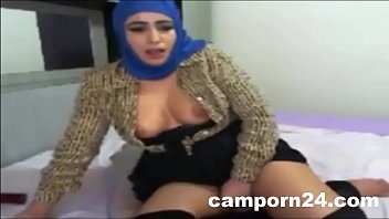 tinne hijab 2015 Schoolgirl kissing spitting getting her tongues and nipples sucked face