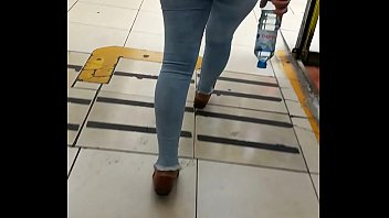 metendo jeans tirar sem o shorts Amateur mom fuck orgasm dp
