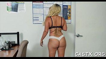 kara every my angle cock taking from kartley Le regala un ganbag a su novia