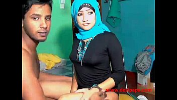 indian in university couple Jackoff dad gay