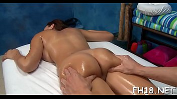 camera punheta flagra escondida Two mistresses sit on a guys face anal reamed