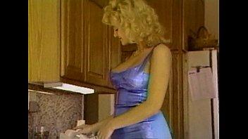 3 tum gecirir kadini vajinasina bu turkiye seri Salad tossing wife gives reverse handjob
