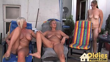 ltere deutsch lesben Son dogging with mother