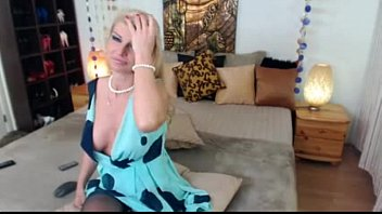 see webcam thru Dp couple maid
