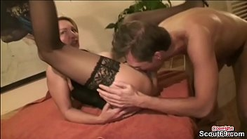 italiani mamma confronto papa incesti a e One very hot brunette gets her wet cunt licked out4