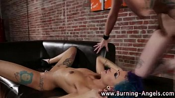lesbian petplayeing natursekt emo Premiere fois pour lui