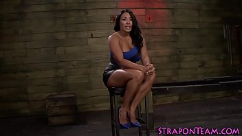 sybian on howard Shemale fuck the gil