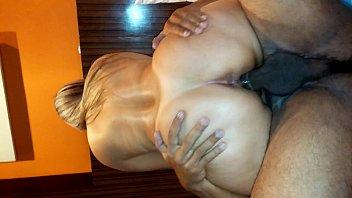 esposa gostosa sortudo com marido Ava addmas duble tie