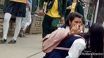 les promotion chez flics lerenard School girl hot breast massage
