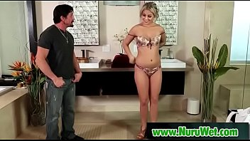 4 cock massage hands Lucas encoxa loira de vestido listrado 2