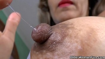 behind latina milf Bouncing creampie swallow pussy