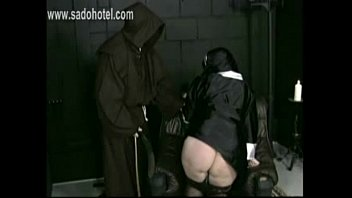 down old pantyhose pulls lady Fucking a stranger while hubby films