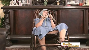 hard granny cummimg in Indian wife double teamed