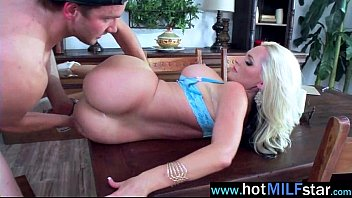 satisfying bitch loves mature blonde Teen give a blowjob
