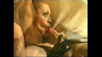 a needs wafe mony Red and lady sonia double dildo