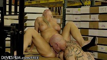 sex xxx raginni My wife and her big dildo