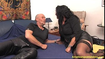 gut hausfrau richtig fickt Very cute young slavegirl in latex makes owner 039s friends sat xvideos com