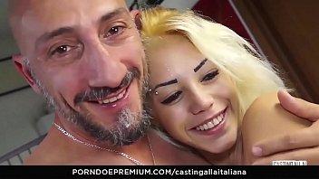 mamma figlia italiana Korean girl white guy