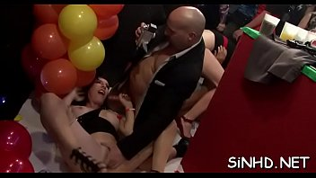 hurse with fucking Amazon staxxx has her big ass licked by slave