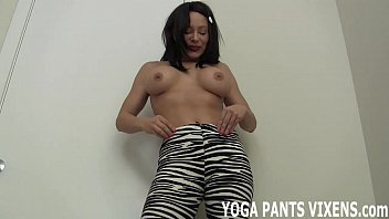pants in fucked squat yoga ass Girls on toilt