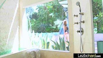 the lesbians having two fun in shower Jardim da fonte