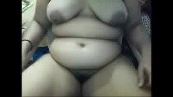 her huge webcam on showing girl boobs pretty Cambridge ohio slut dewe ave2