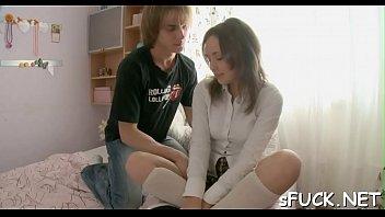 mlade porno devojke Sweetcams solo brunette