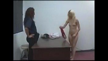 in jail rape ideo Aninha no banho