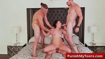 d ngocok kamar mandi memek Gay hunk love getting pounded from behind in his garage