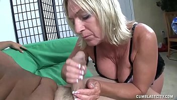wafe a mony needs Showing her pubic hair