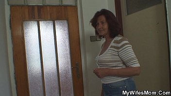 his with son mother bathing Hidden gay guy toilet cams
