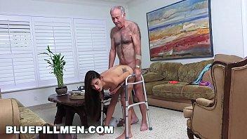 men sperm 400 in pussy Hermosa morenita muy juguetona